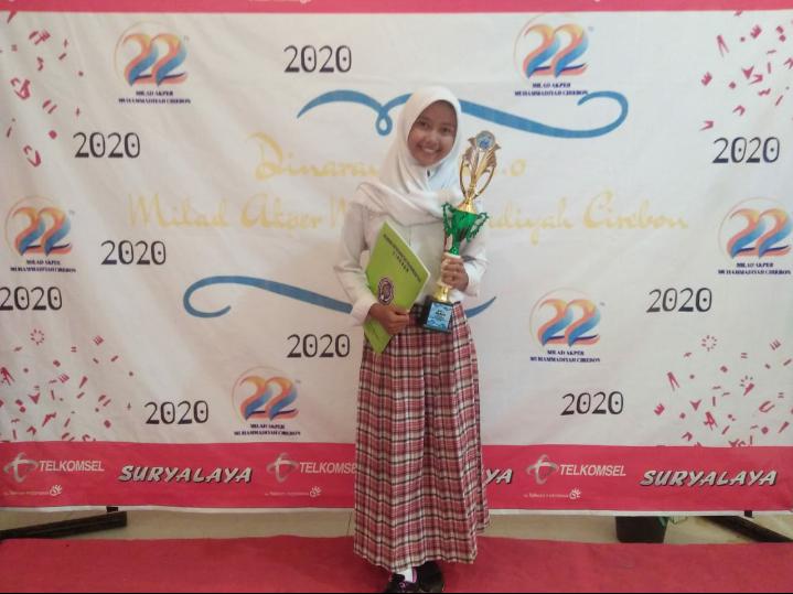 Juara 2 Lomba Baca Puisi